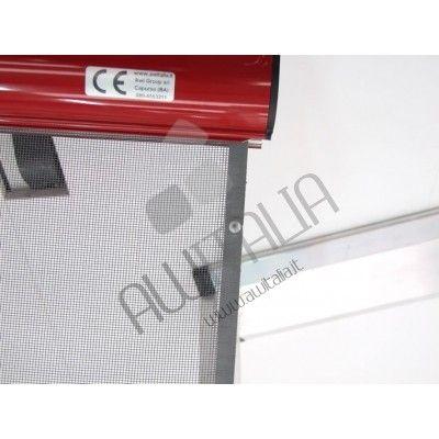 Zanzariera economica laterale con guida a terra e ingombro cassonetto 55 mm